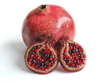 Pomegranate brooch, beaded pomegranate, beaded garnet brooch, garnet brooch, fruit brooch, pomegranate jewelry,