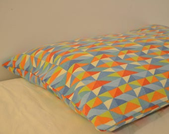 Small (S) Washable Dog Bed - 100% Completely Washable Cover and Inserts (Rainbow Triangles)