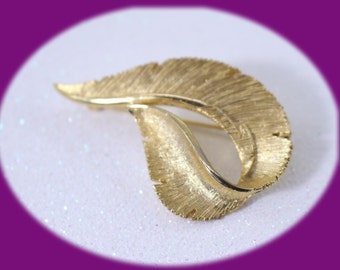 Vintage  Art Deco Sarah Coventry  Gold Tone  Leaf Brooch Vintage Jewelry Vintage Brooch Mothers Gift Collector Brooch
