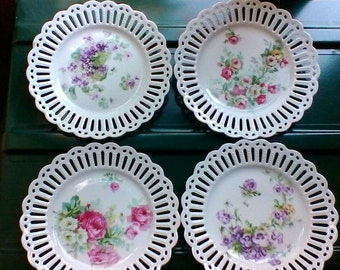 Beautiful set of four floral dessert plates with perforated edges - Vintage French plates