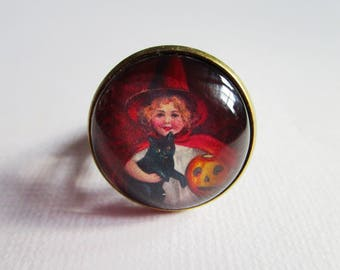 """""""Little witch and OWL"""", bronze cabochon, costume jewelry ring"""