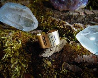 Viking rune ring, Brass viking ring, Elder futhark ring, Fehu ring, medieval ring, asatru ring, Odin, Norse god jewelry, men ring,witch ring