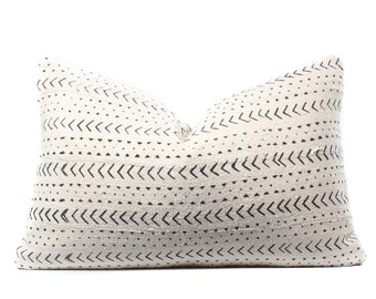 African White Mudcloth Pillow Cover, Boho Pillow, White, Black, Ethnic, Textile, 14x22, SKU04051