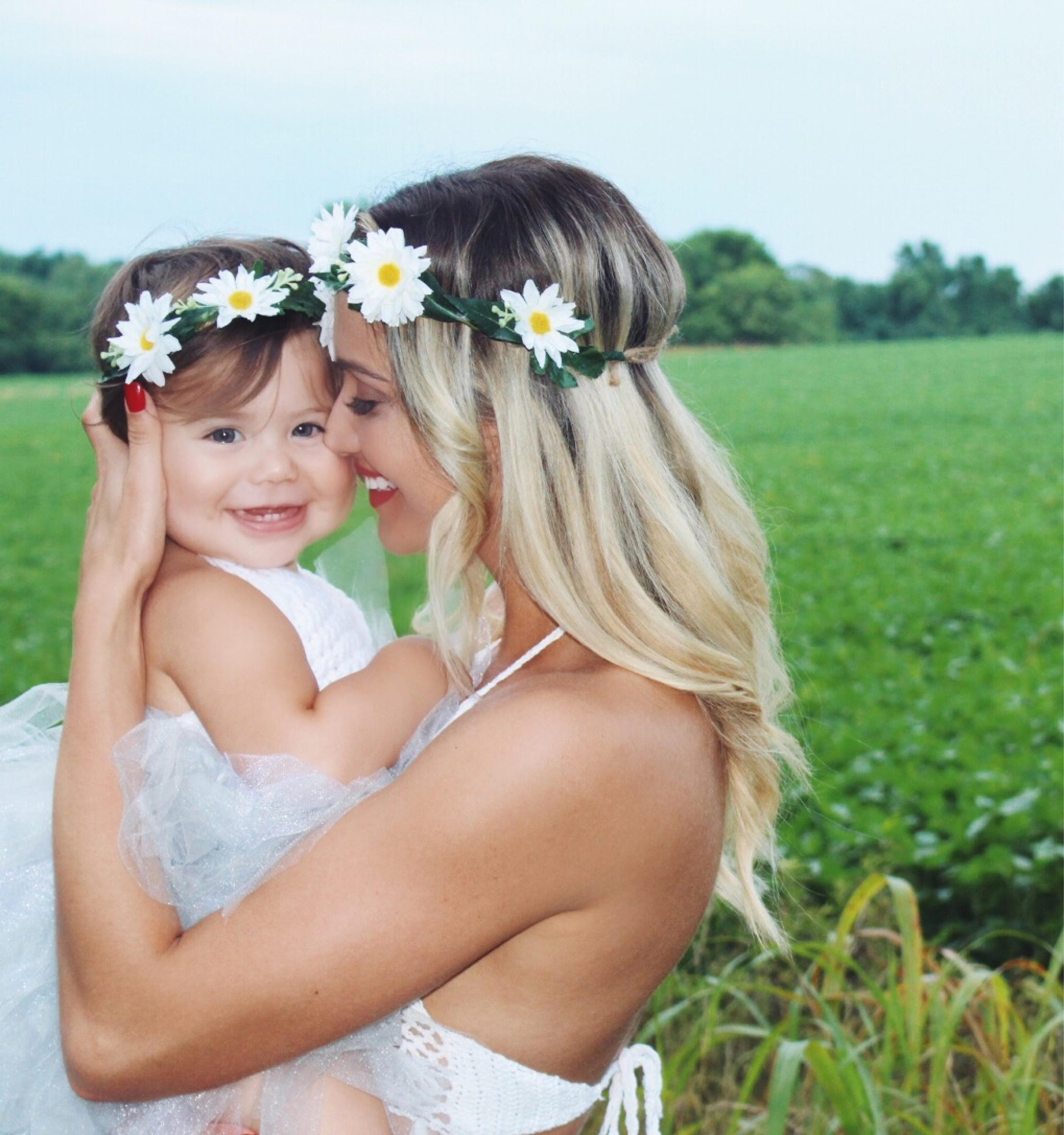 Mommy and me floral crown matching flower crowns mommy and description these mommy and me floral crowns izmirmasajfo