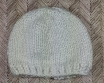 Newborn white winter hat, bulky, unisex newborn hat