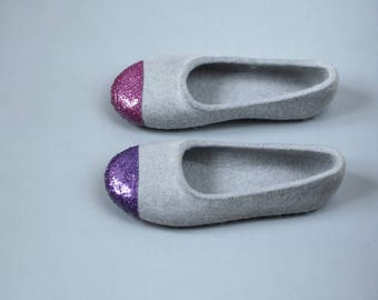 WOMEN Felted Ballet Flats - Glitter Slippers - Women Felt slippers - Grey slippers for Her - Wool Slippers - fuchsia Glitter - Purple