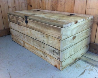 Pallet Wood Chest with Rustic Ironwork - blanket box, toy box, treasure chest, hallway furniture, storage chest, bed end box
