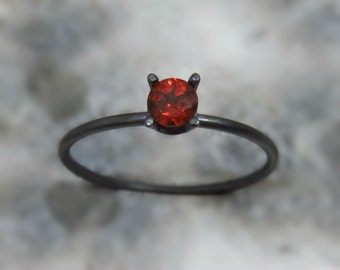 garnet ring silver / oxidized silver ring / red garnet ring  / red gemstone ring