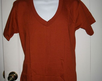 1970's Deadstock Rust V-Neck BVD Undershirt All Cotton T-shirt size Large