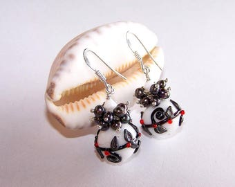 """""""black and white"""" glass post earring"""