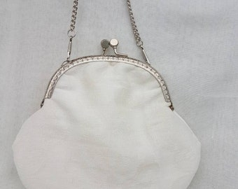 Ivory Kiss Clasp Purse/Ivory Wedding Purse/Bridesmaid Purse/Small Clutch Purse/Special Occasions Purse