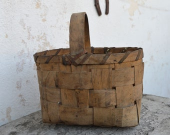 Vintage Basket - Distressed Basket - Birch Bark Basket - Old Basket - Handmade Basket - Middle Basket - Traditional Basket - Hand Basket