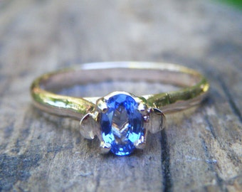 SAPPHIRE ring, Blue sapphire gold ring, sapphire engagement ring, sky blue alternative engagement ring, solid gold 9K 10K 14K or 18K