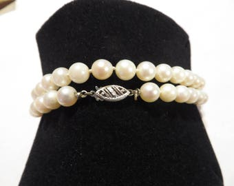 Estate Vintage 10k White Gold Filigree Clasp Creamy White Pearl Necklace / Choker