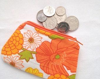 Coin Purse, Floral Coin Purse, Coin Pouch, Change Purse, Zipper Coin Purse, Small Purse, Vintage Fabric, Vintage Coin Purse