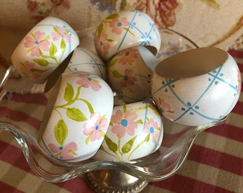 Shanny Chic hand painted trellis and Flowers napkin ring