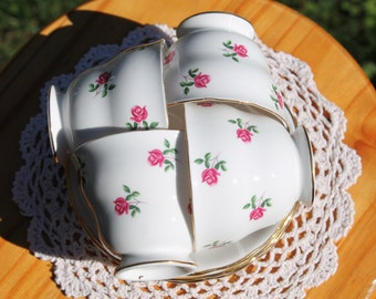"""Set Of Four Colclough Bone China Teacup and Saucer Sets, """"Pattern Number 7433"""""""