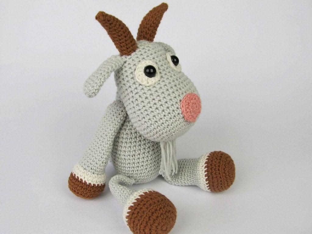 Amigurumi For Dummies Book : Goat lisa amigurumi crochet pattern pdf e book stuffed animal