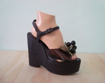 Vintage Fruity Platforms Shoes - size 9 - Navy Blue Straw Wedges