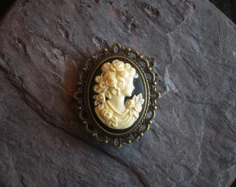 Small cameo brooch, black cameo brooch, antique brass brooch, lapel brooch, cameo jewelry, holiday gift ideas, gift ideas for mom