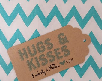 Wedding Gift Tags - Hugs and Kisses - Customizable Personalized (WT1802)