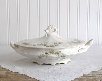 Vintage Tureen, Laughlin Tureen, Vegetable Tureen, White Granite, Covered Serving Dish