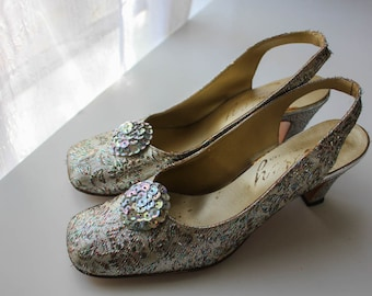 Vintage 1950's / 1960's Mod Lucy Sparkle White / gold / Silver High Heels // Wedding Heels / shoes / pumps
