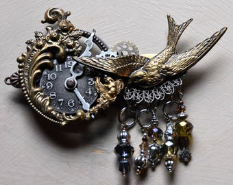 Victorian Brooch, Steampunk Pin, Steampunk Accessories, Sparrow Pin, Statement Jewellery, Statement Brooch, Charm Brooch, Gift for Her