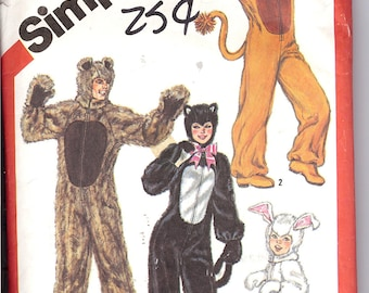 Simplicity 5739   Adult and Boys' and Girls' Animal Costumes'   ID 359