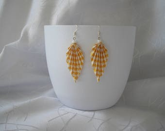 """Leaf"" paper origami and Pearl Earrings"