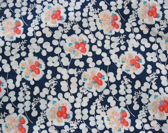 Quilting Cotton /  Apparal Fabric Floral Print  Fabric by the Yard