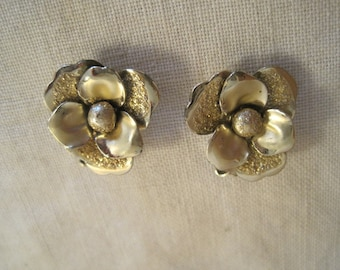 Vintage Coro Gold Tone Clip Earrings