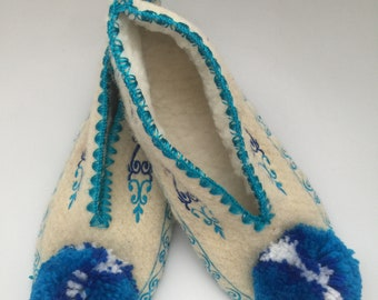 Traditional Greek slippers with non slip leather sole size 40 UK 7