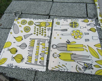 Farm Style Kitchen Pot Holder Set of Two White and Yellow Pot Holders, Decorative Kitchen Fabric Pot Holder
