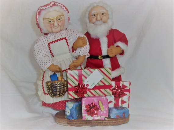 Santa Claus Music Decoration,  Mrs. & Mr. Claus, Music Decoration,  Musical Christmas Decoration, Toyland Music Box, Christmas Decor, Gift