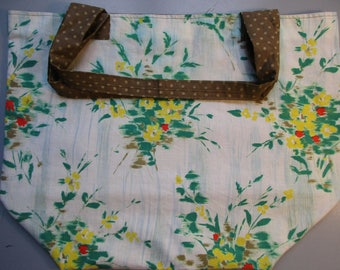 Tote XXL lined reversible, vintage 1940-1950's Green, red and yellow flowers and polka dot on khaki green lining.