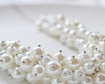 White Cluster Pearl Necklace, Pearl Necklace, Bridal Jewelry, Chunky Pearl Necklace, Cluster Necklace, Chic, Bridesmaid White Pearl Necklace