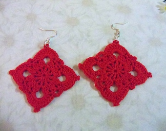 Square Motif Earrings in pagoda red