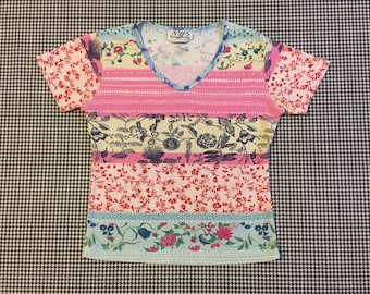 1990's, hodge podge, floral print, V-neck tee, Women's size Small