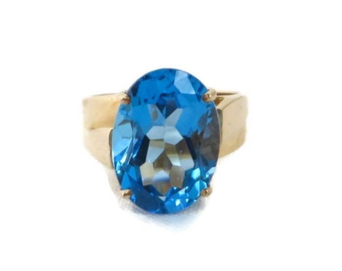 Blue Topaz Ring, Vintage Gold Ring, London Blue Topaz Ring, Solitaire Ring, Blue Stone Ring, Vintage Ring, Solid Gold Ring, Statement Ring