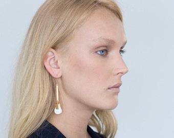 Minimalist Jewelry, White Coral Earrings, Stone Gold Earrings, Minimalist Earrings, Pretty Earrings, Womens Earrings, White Stone Earrings
