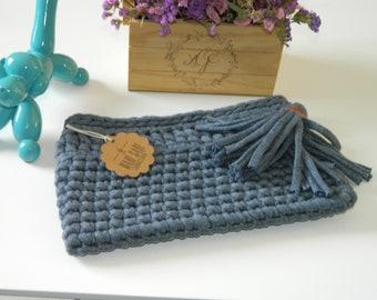 Hand knitted Clutch T shirt yarn knitting hand madebolso fashion woman