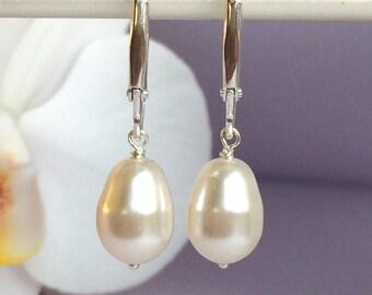Pearl Lever back Earrings, White Pearl Earrings, Bridesmaid gift, Bridal Pearl Earrings, Dangle pearl earrings, Beidesmaid earrings