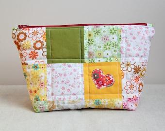 Patchwork bag, handmade bag, patchwork cosmetic bag, toiletry bag, make-up bag, zipper bag, quilted zipper pouch