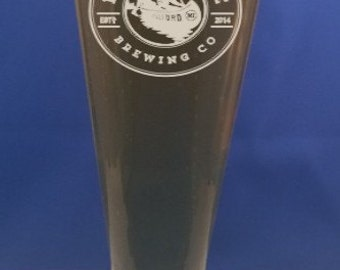 Personalized 14 oz. pilsner-Engraved Beer Glass-Best Man-Father of the Bride&Groom-Fathers Day-Free Engraving-Wedding party-wedding gift