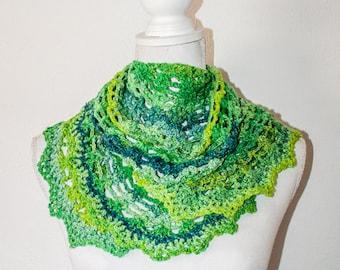 Hand crochet shawl 'Wild Wheat' in the colour Herb Garden