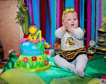 Baby girl Headband Bumble Bee Headband first birthday bee headband Photo Prop birthday hair hoop yellow headband costume bee floral headband
