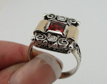 Vintage 9K Yellow Gold Sterling Silver Garnet Ring size 9