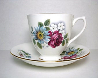 Vintage Elizabethan Tea Cup and Saucer, Kent & Taylor Tea Cup Set, Fine Bone China Teacup Set, Tea Cup Set Made in England