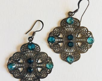 Filigree earrings with turquoise swavorski crystals